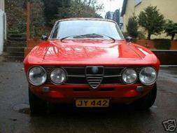 coche_clasico_alfa_romeo_bertone.jpg