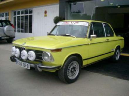 coche_clasico_bmw_2002_1.jpg