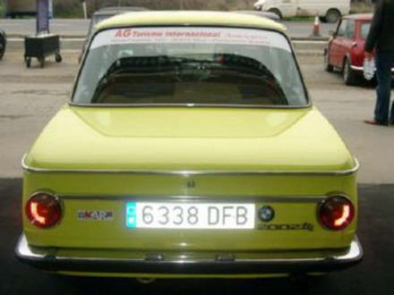coche_clasico_bmw_2002_2.jpg