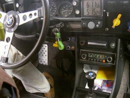 coche_clasico_bmw_2002_4.jpg