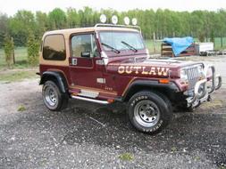 coche_clasico_jeep_wrangler_laredo.jpg